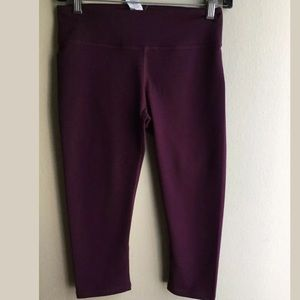 Fabletics capris Leggings Burgundy Size XS